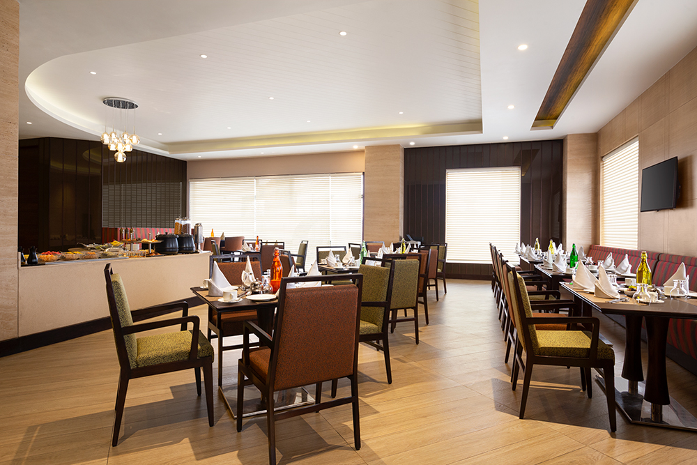 Ramada-Jammu-City-Center---Breakfast-Area---1285984