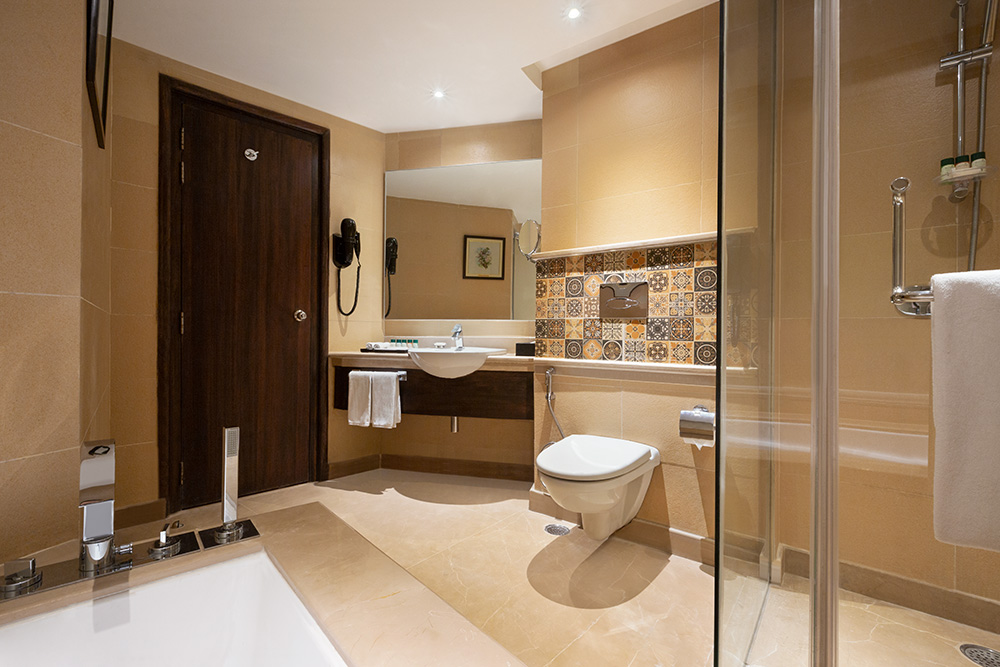 Ramada-Jammu-City-Center---Junior-Suite-Bathroom---1285923