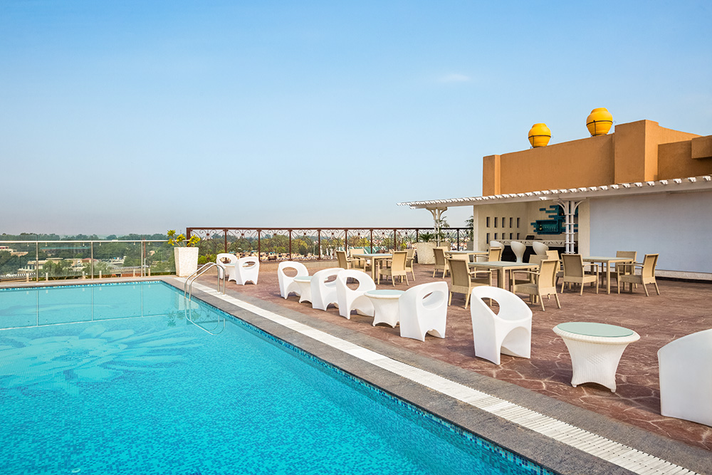 Ramada-Jammu-City-Center---Sky-Bar-and-Pool-Deck---1286005